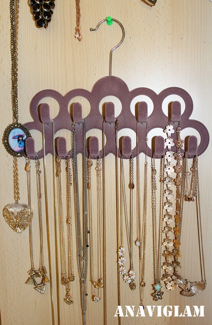 vješalica za nakit