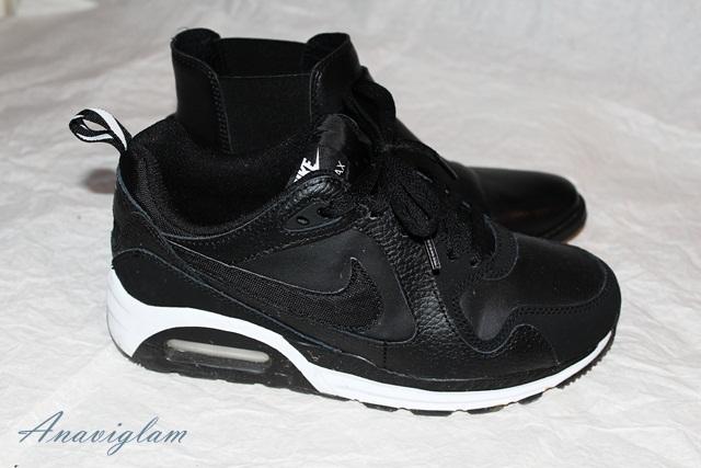 17 Nike