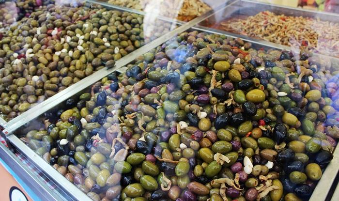 16 olives Croatia