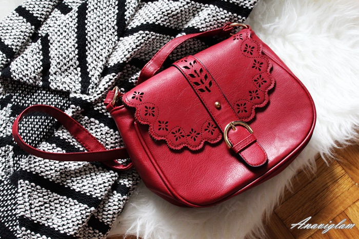 New Yorker crvena torbica