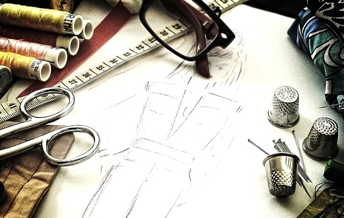 Fashion design - The working tools of a couturière - Grunge noisy looks