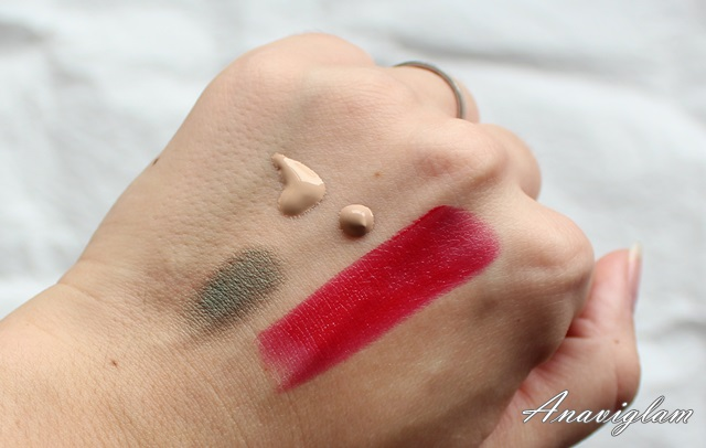 Oriflame swatches