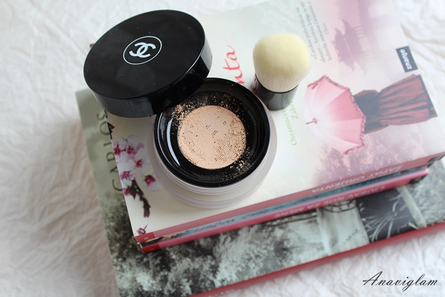 Chanel Vitalumiere Loose Powder Foundation with mini Kabuki brush