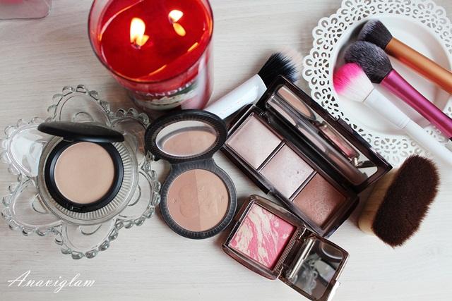 10 MAC blot powder Soap&Glory bronzer Hourglass palette powder Hourglass blush