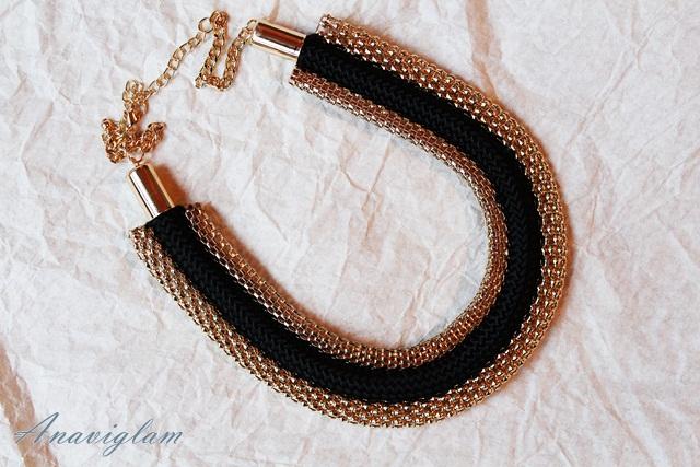 h&m black and gold ogrlica