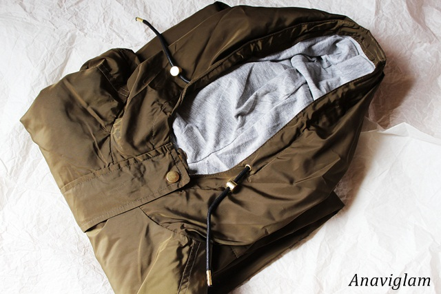 Pull&Bear Hooded Nylon Parka with Drawstring Waist 1