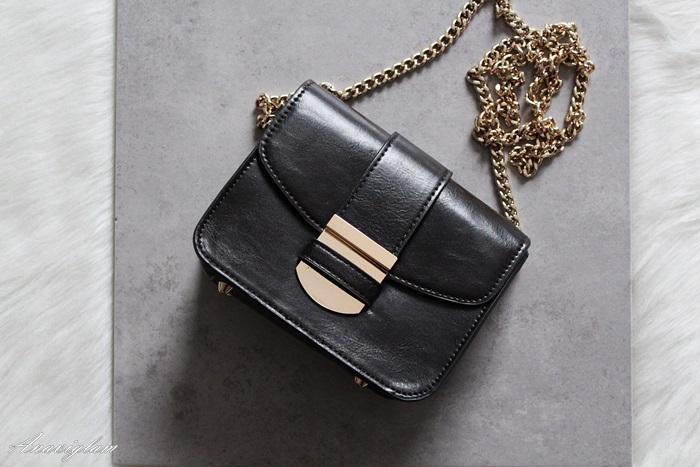 Mango purse