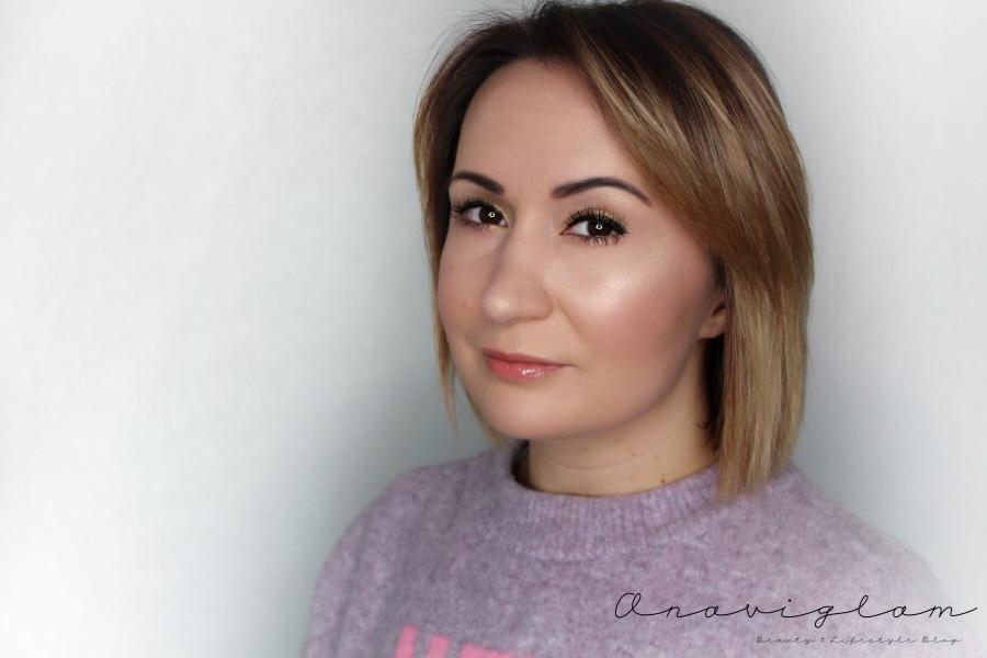 Popularna pjevačica Riha godine tužila je kompaniju Arkadia.